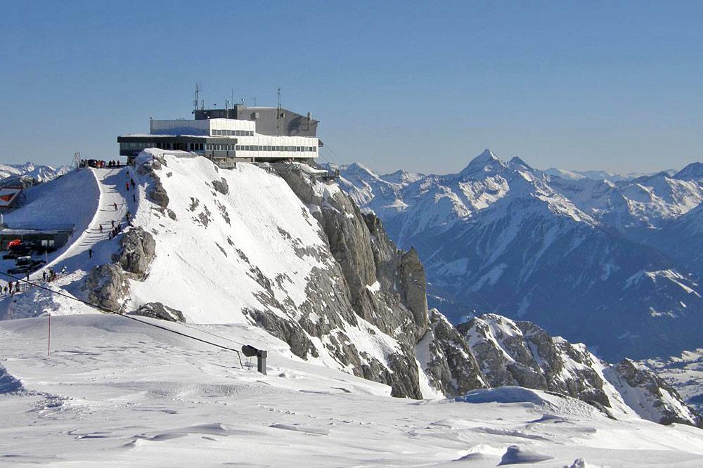 Die Bergstation auf dem Hunerkogel an der Südwand des Dachsteins