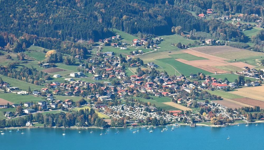 Blick auf Nußdorf am Attersee
