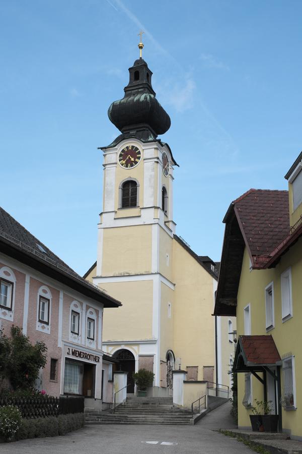 Kirche St. Bartholomäus in Unterach