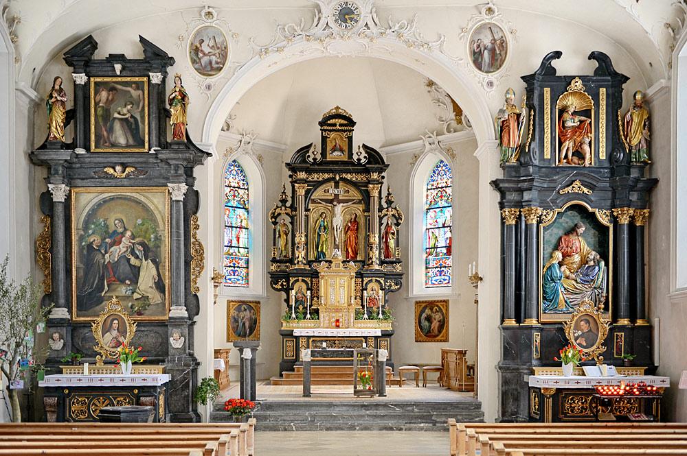 Innenansicht der Pfarrkirche St. Leonhard in Au im Bregenzerwald