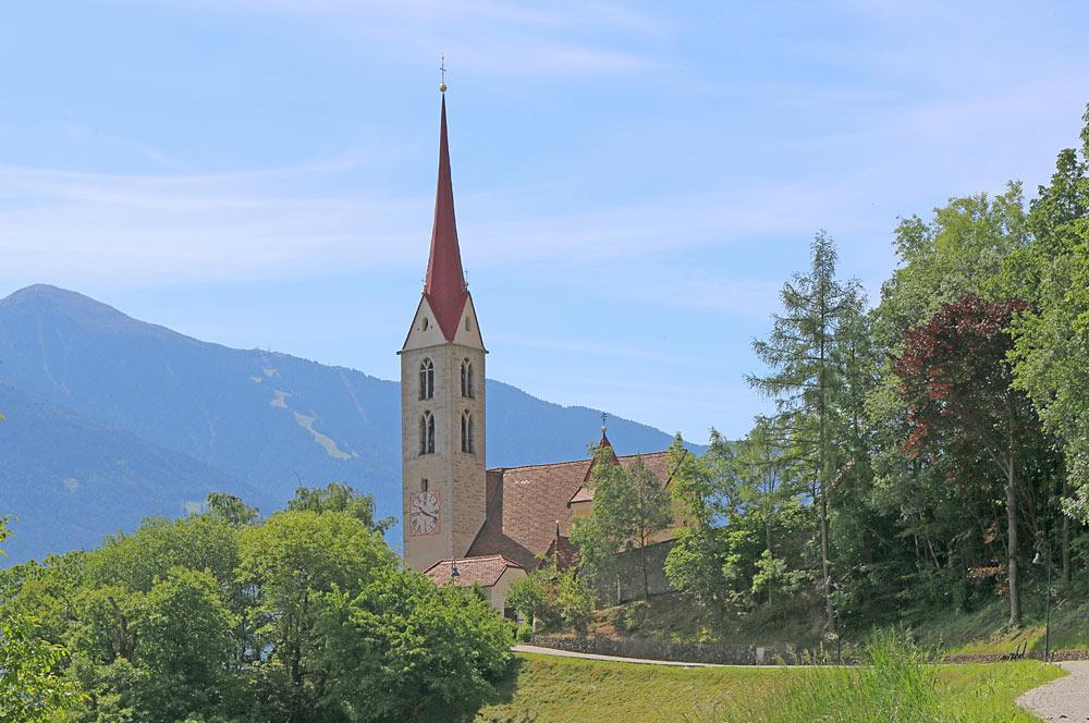 Pfarrkirche St. Georg in Vahrn