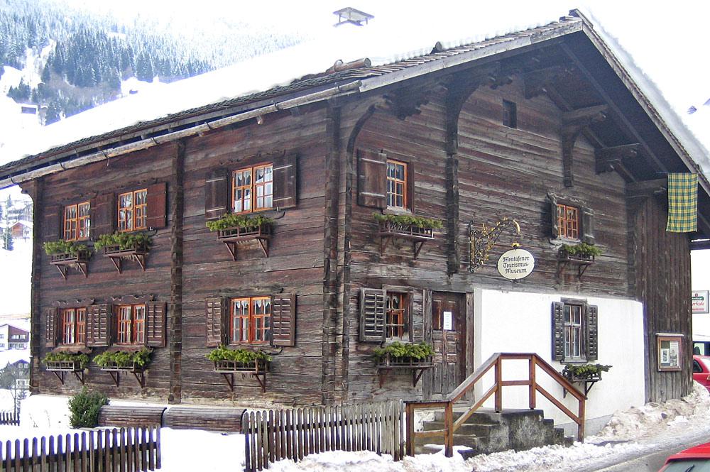 Außenansicht des Tourismusmuseums Gaschurn-Partenen