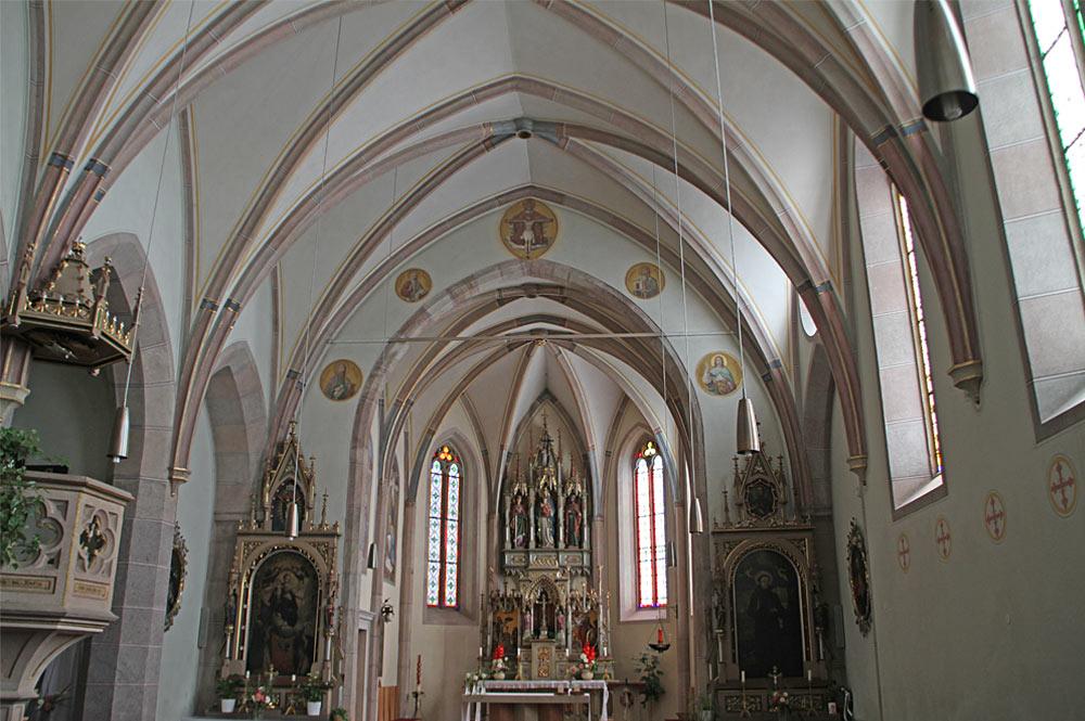 Innenansicht der Pfarrkirche St. Katharina in Altrei