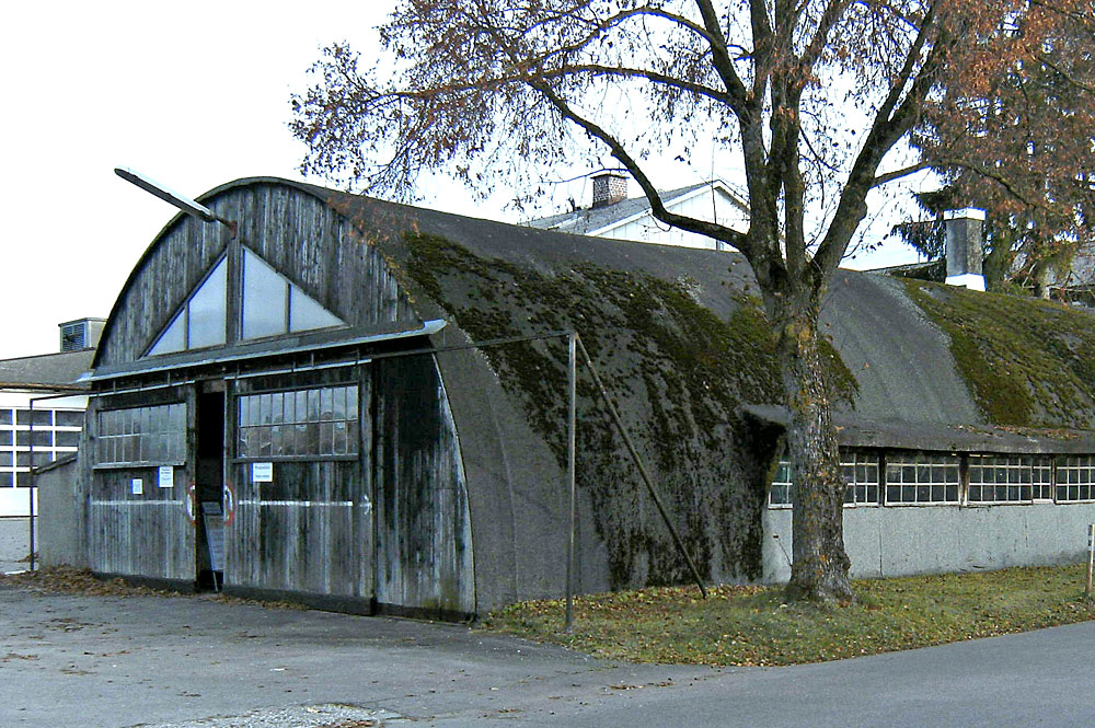 Historische Rundbogenhalle des Fliegermuseums Bad Wörishofen