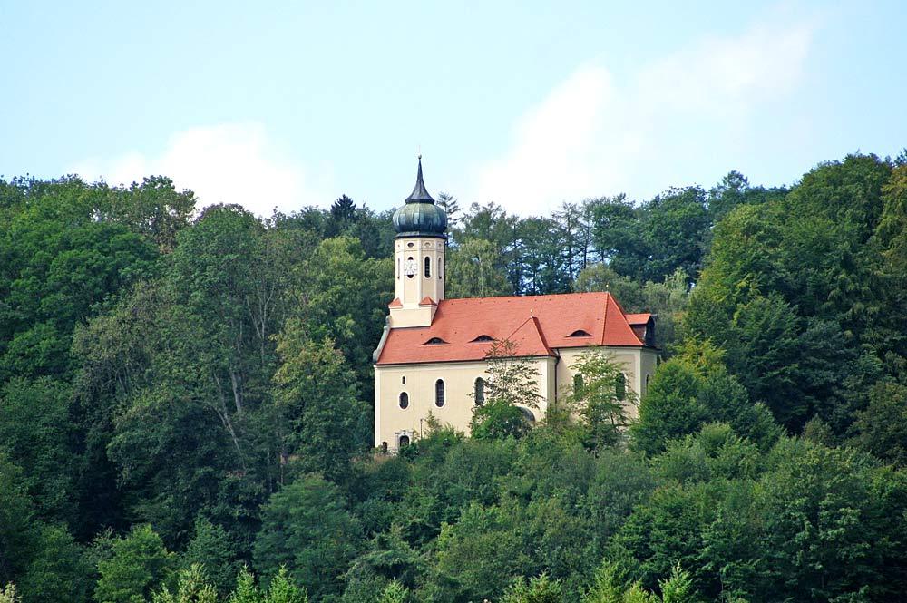 Schlosskirche Mariä Empfängnis in Eurasburg über dem Loisachtal