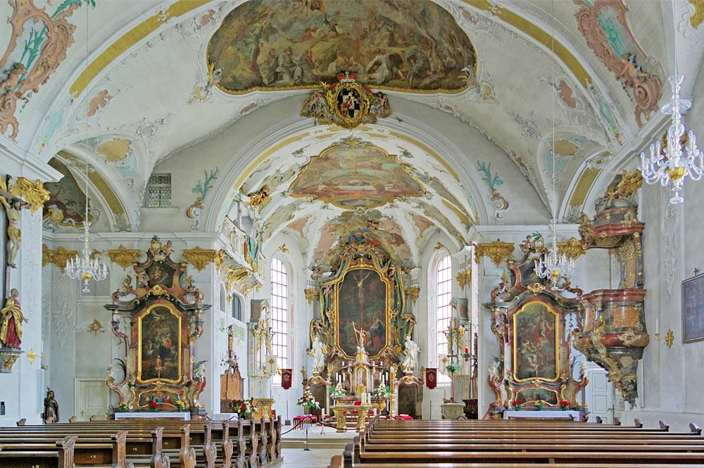 Blick ins Innere der Stadtpfarrkirche St. Evangelist in Sigmaringen