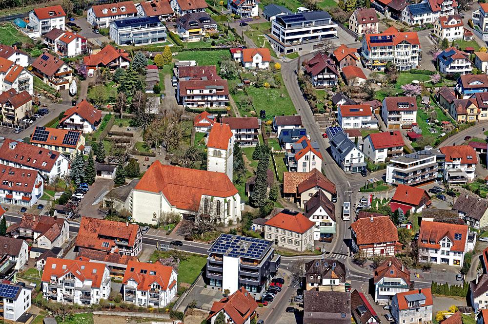 Luftaufnahme des Zentrums von Immenstaad am Bodensee