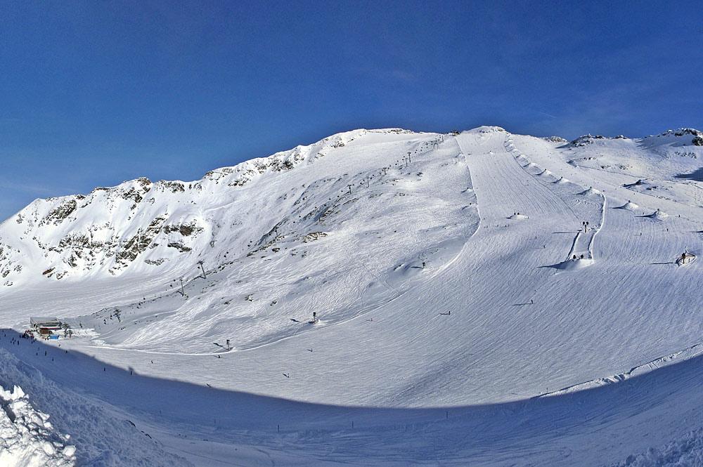 Panoramablick auf das Skigebiet am Mölltaler Gletscher