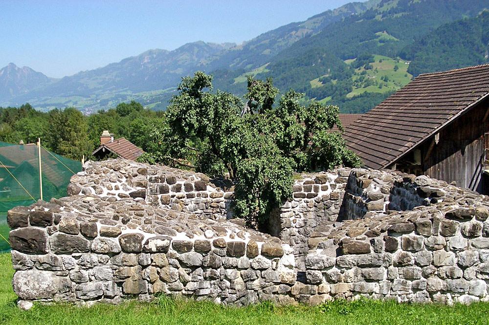 Burgruine Rosenberg in Giswil