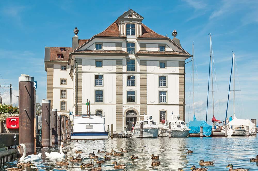 Blick auf das Kornhaus direkt am Rorschacher Hafen