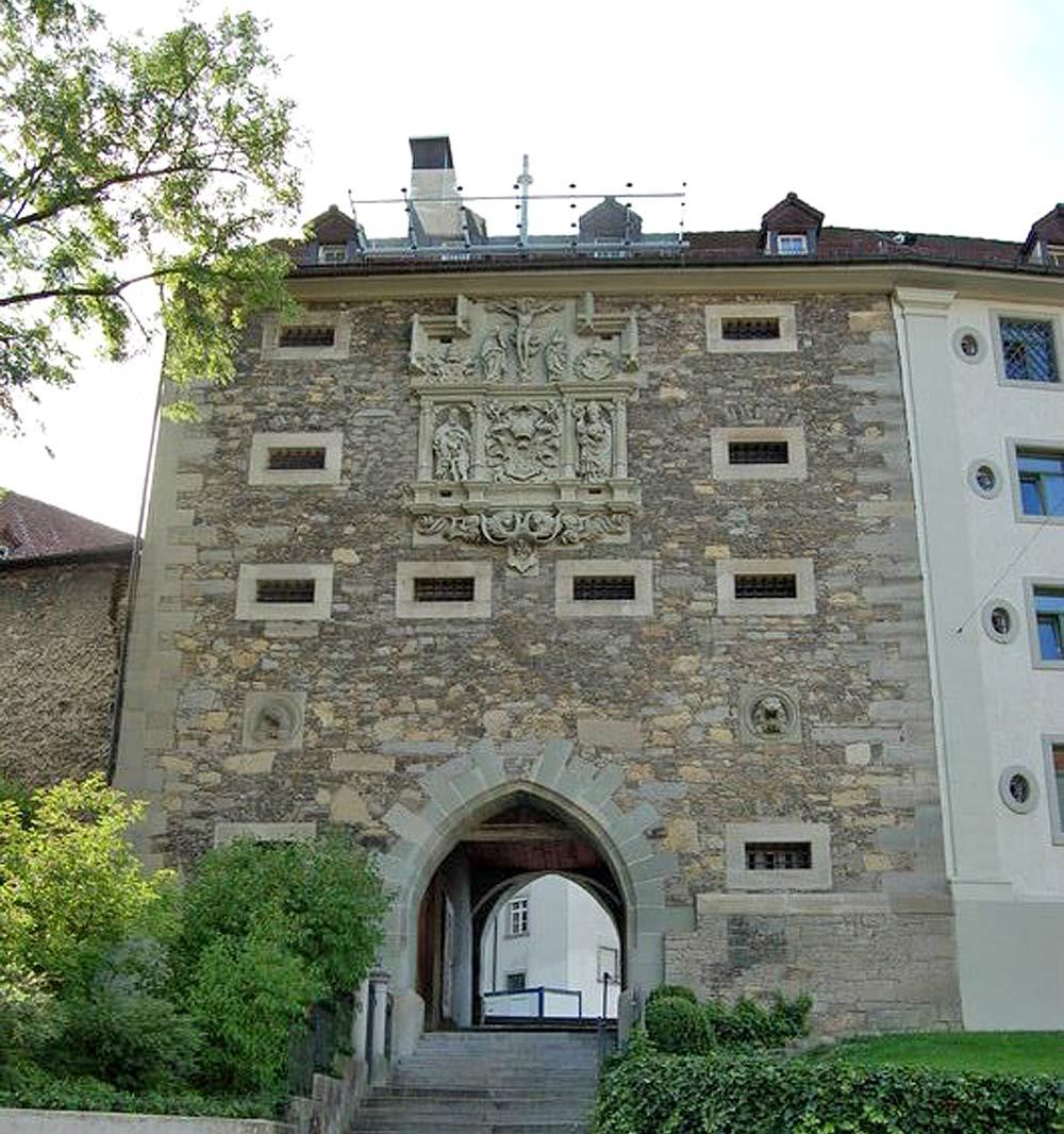 Blick auf das Karlstor, das ehemalige Stadttor von St. Gallen