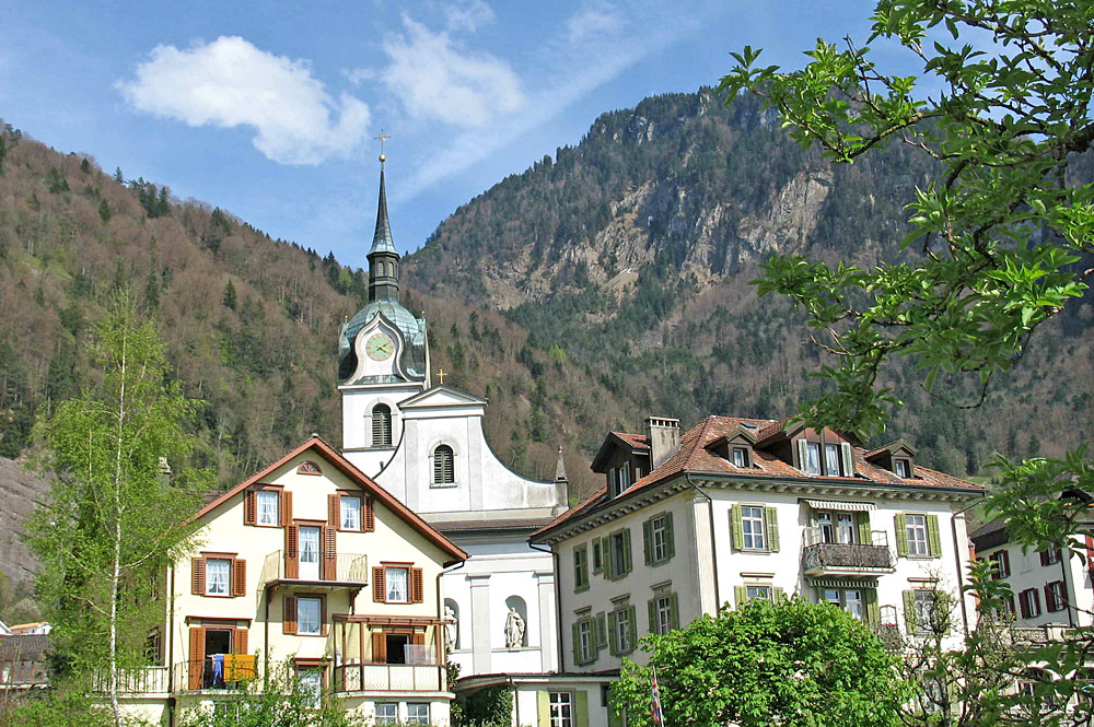 Blick auf die Pfarrkirche St. Hieronymus in Vitznau