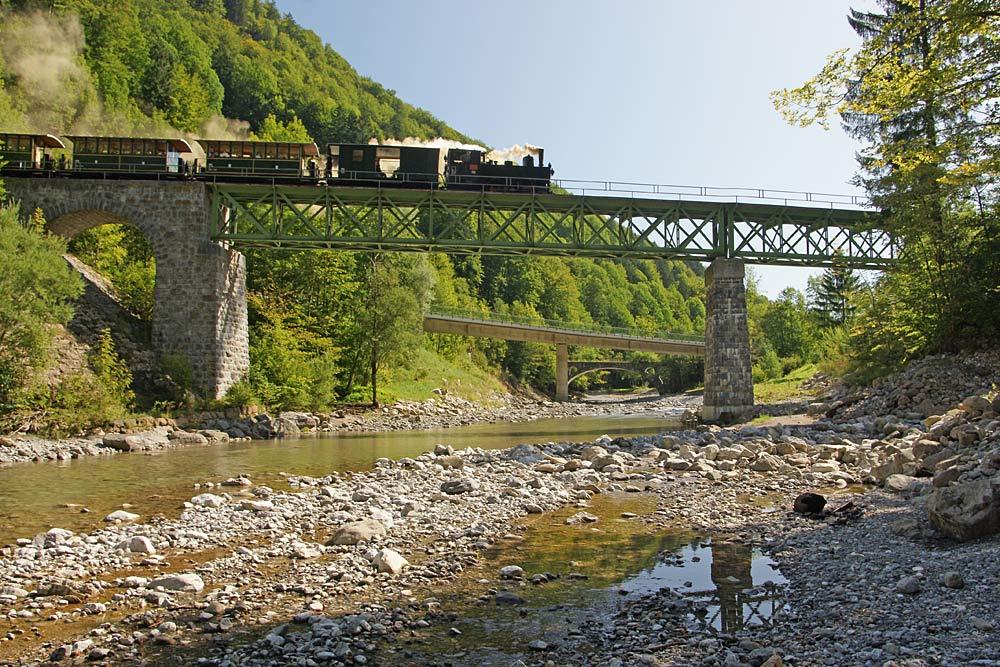 Bregenzerwaldbahn auf der Hohlstein-Bahnbrücke