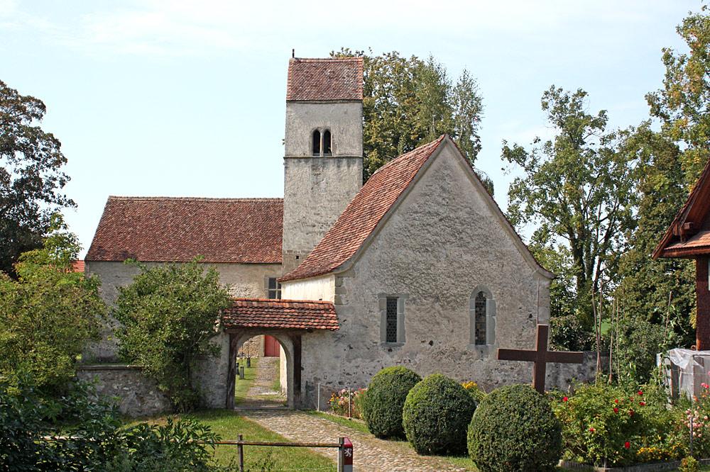 Außenansicht der Kirche St. Martin auf Kirchbühl in Sempach