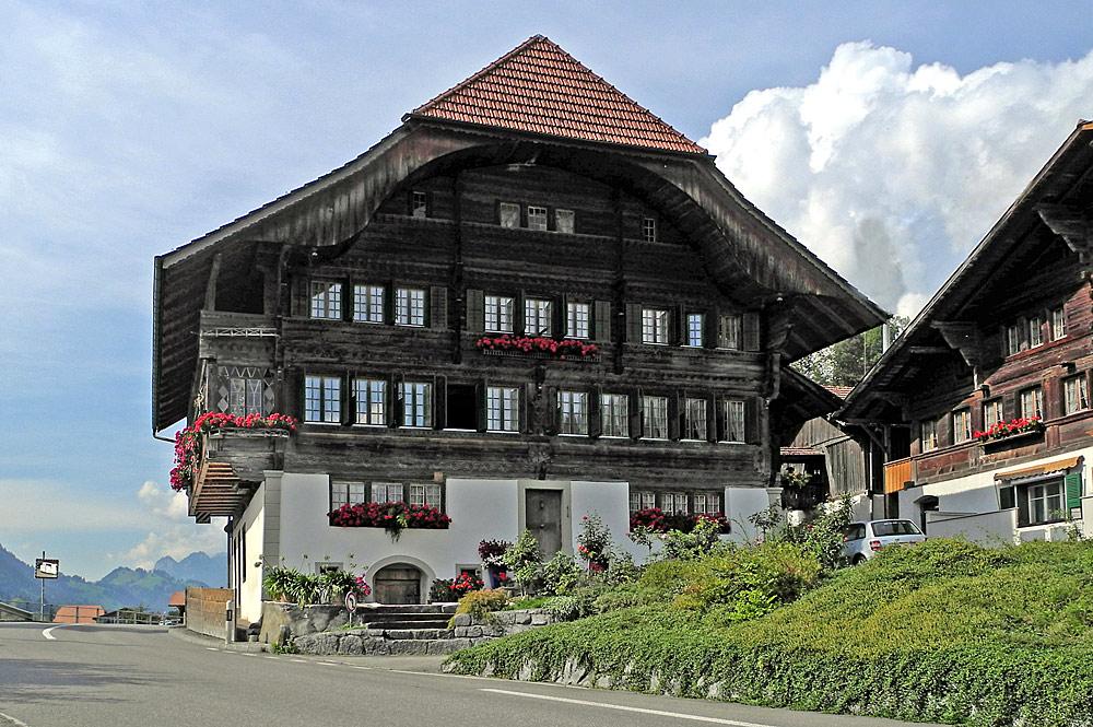 Außenansicht des Platzhauses in Erlenbach im Simmental