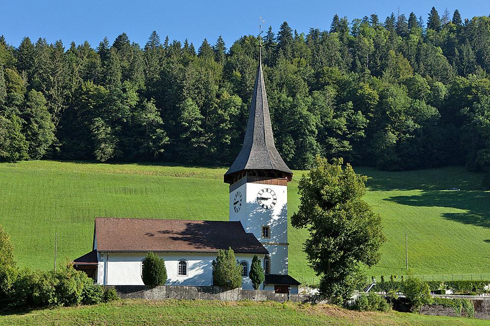 Außenansicht der evangelisch-reformierten Kirche in Boltigen