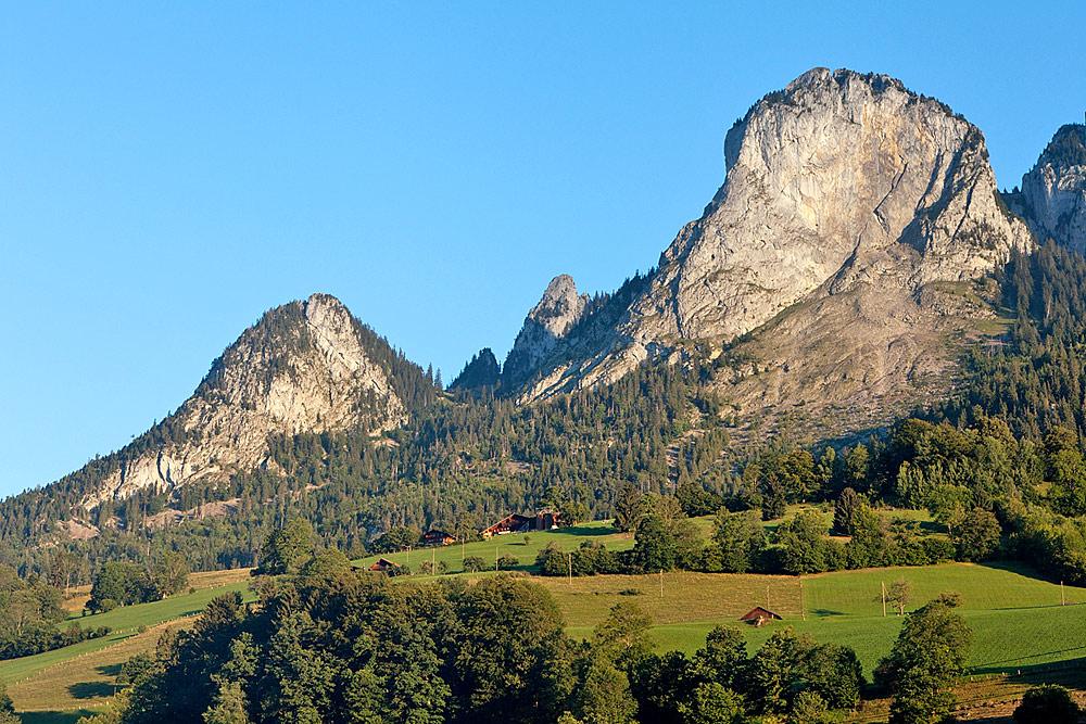 Chienhorn, Triemlenhorn und Mittaghorn oberhalb von Boltigen
