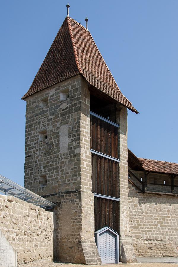 Einer der Stadttürme von Payerne