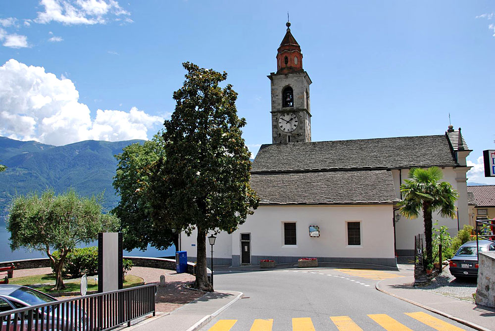 Außenansicht der Kirche San Martino in Ronco sopra Ascona