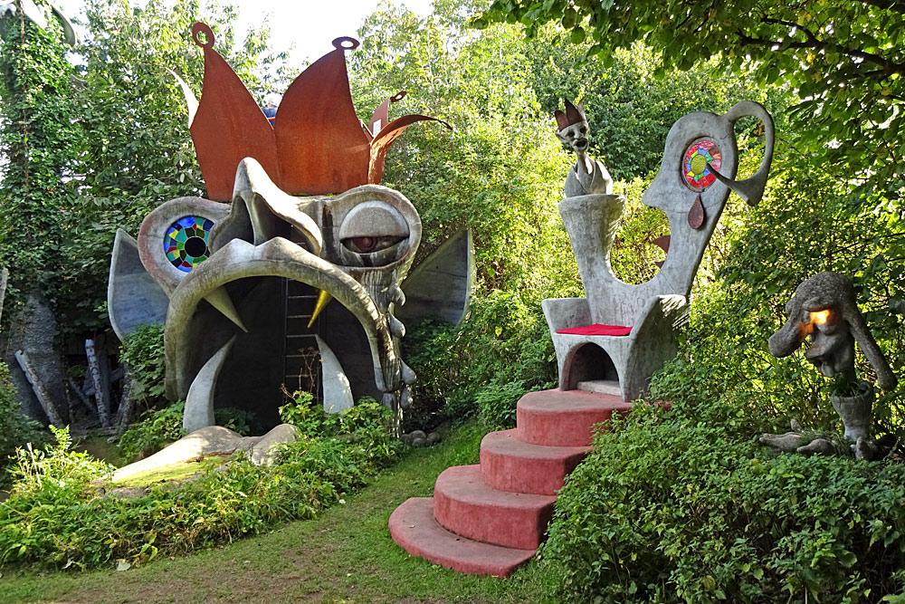 Skulpturen im Gnomengarten Schwarzenburg