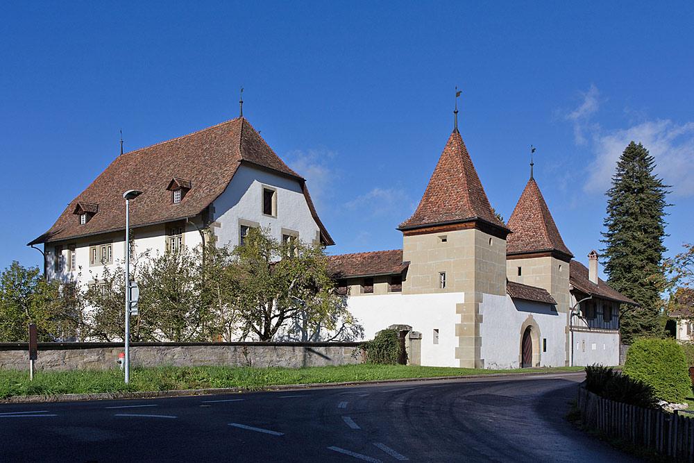 Außenansicht von Schloss Schwarzenburg in Schwarzenburg