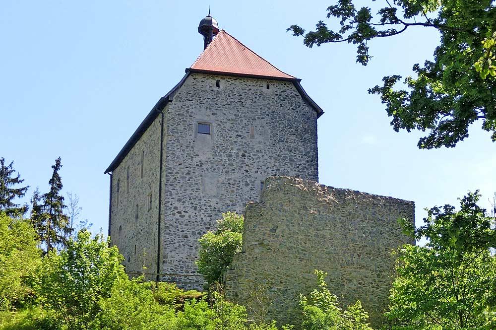 Blick auf die Burgkapelle Stein in Gefrees
