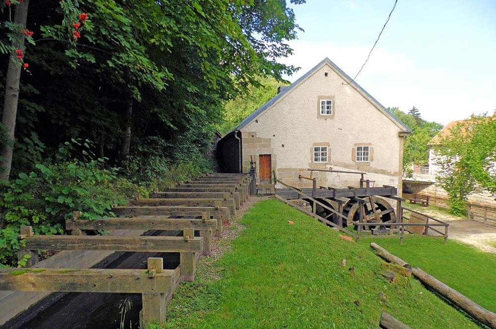 Mühlräder im Freilichtmuseum Scherzenmühle in Weidenberg
