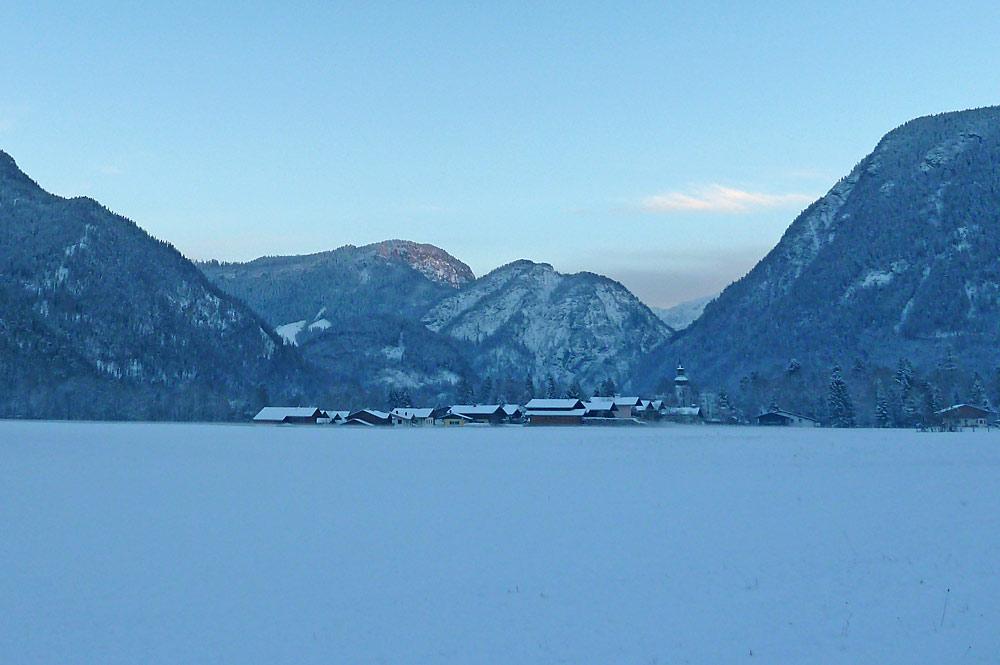 Blick auf das winterliche Lofer im Unteren Saalachtal