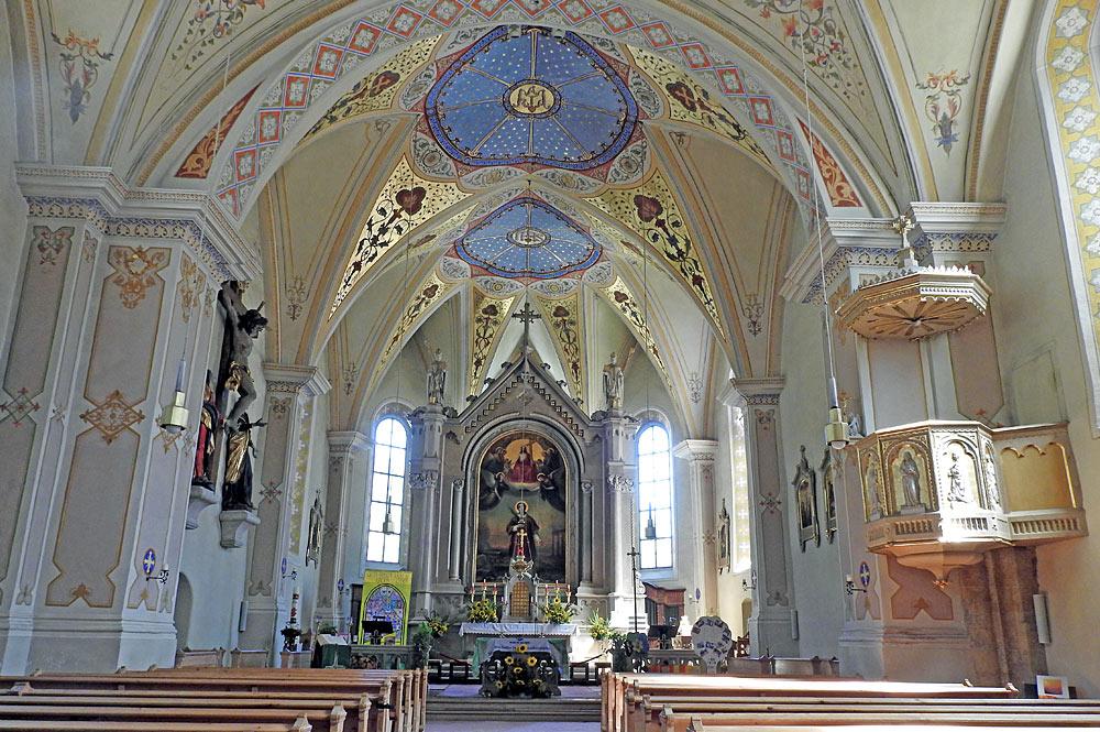 Innenraum der Pfarrkirche St. Laurentius in Piesendorf