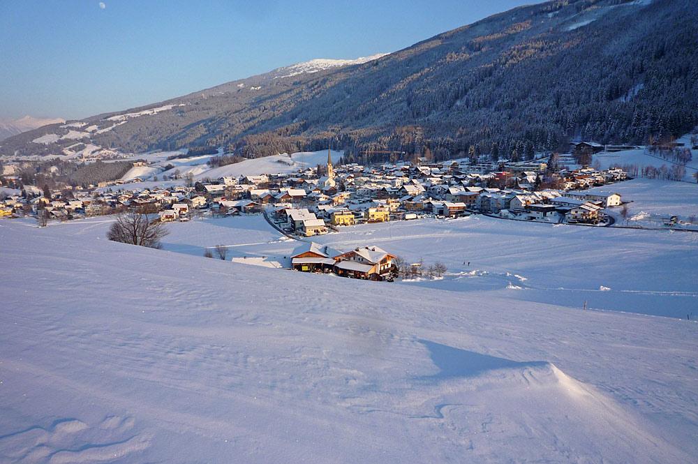 Blick auf Rinn im Winter