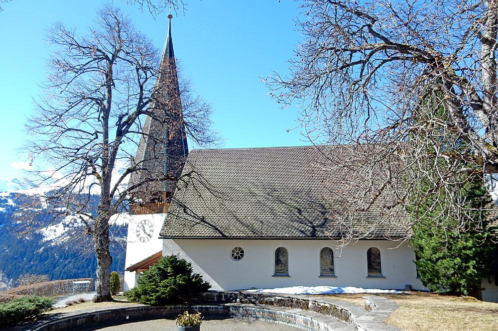 Außenansicht der evangelisch-reformierten Kirche in Wengen