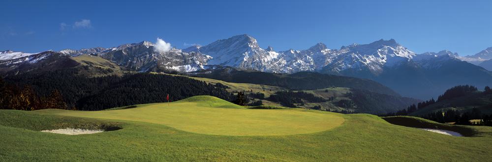 Blick über den Golfplatz von Villars