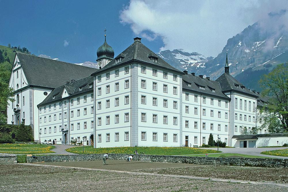 Außenansicht von Kloster Engelberg