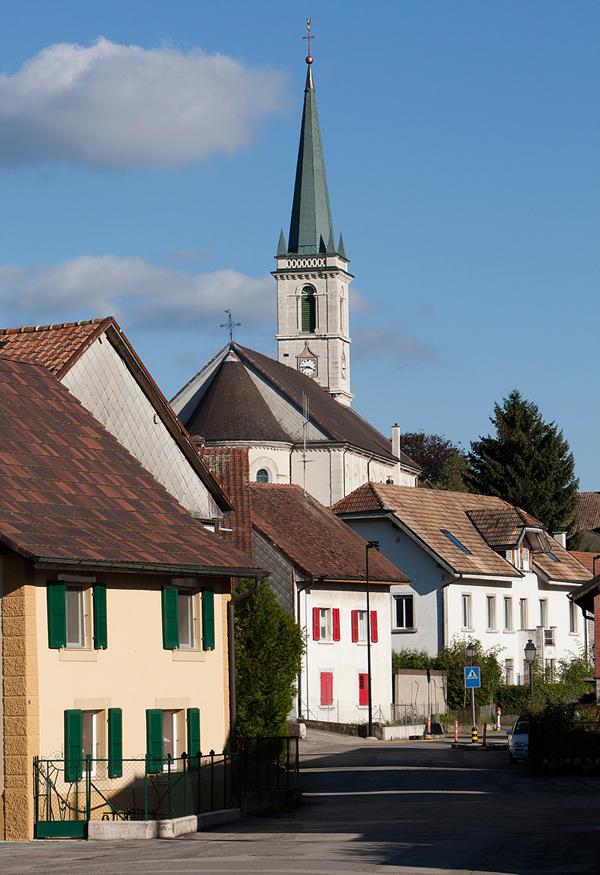 Blick auf die Kirche in Courgenay