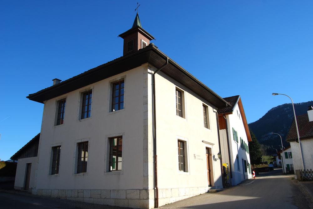 Gemeindehaus von Eschert im Berner Jura
