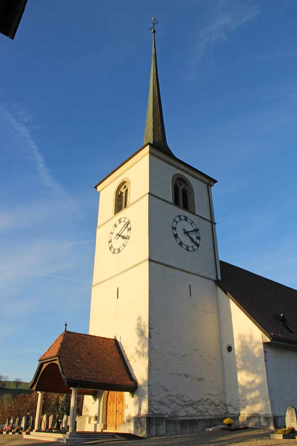 Blick auf die Kirche in La Roche