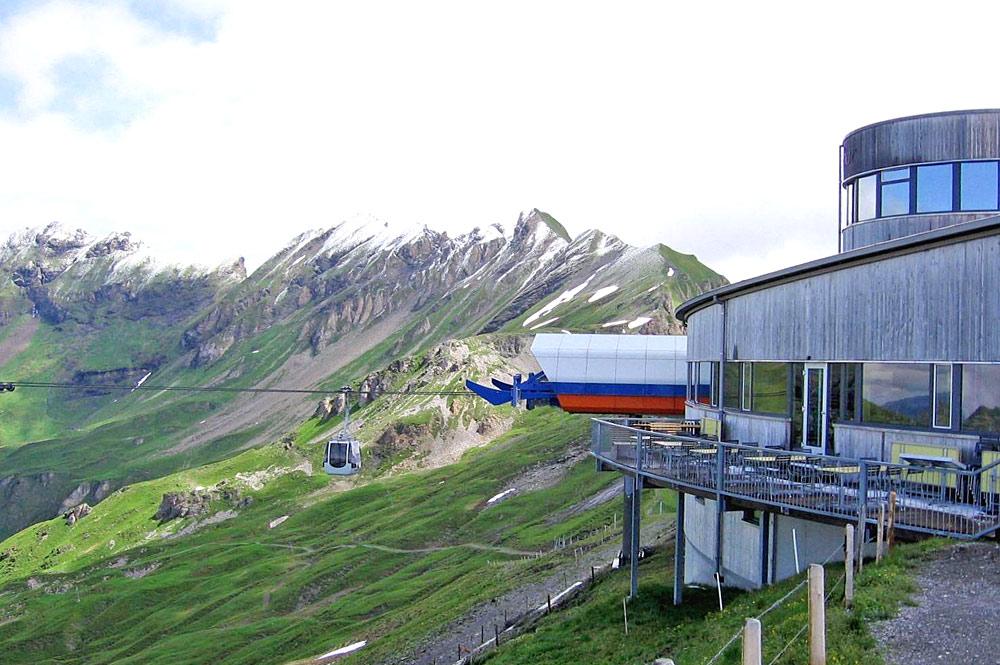 Restaurant Alpentower an der Bergstation des Eagle-Expresses bei Hasliberg
