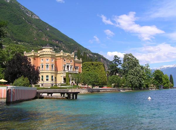 Blick auf die Villa Feltrinelli in Gargnano