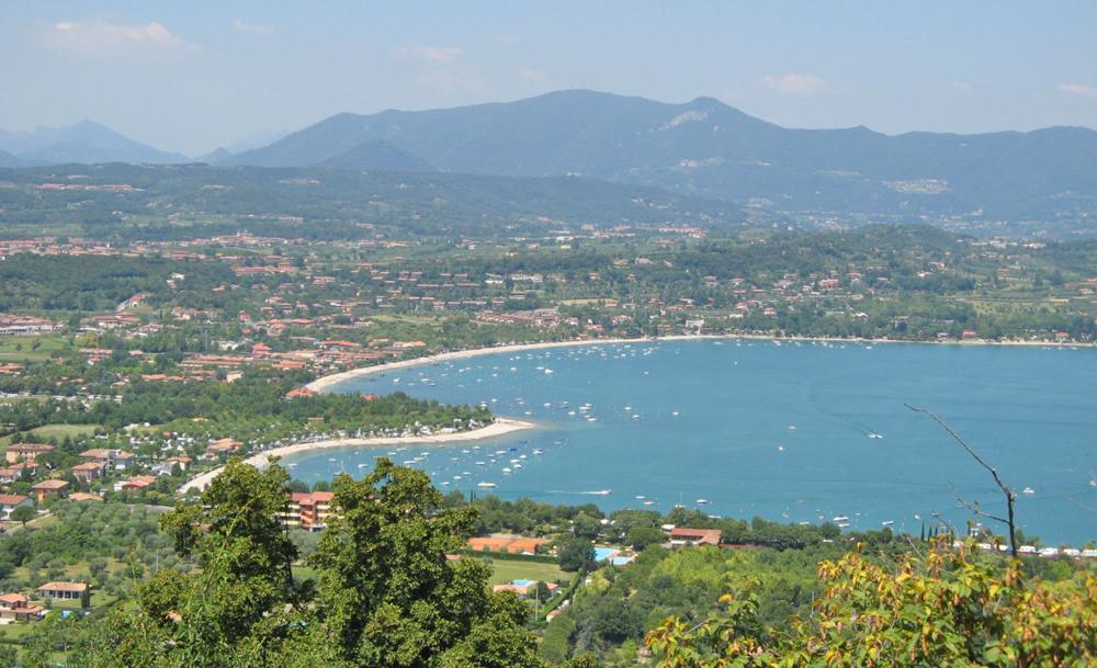 Blick auf Manerba del Garda vom Rocca aus