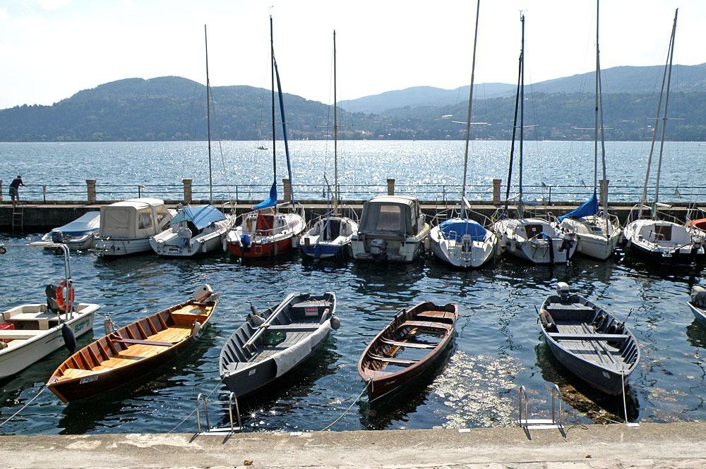 Hafen von Ranco direkt am Lago Maggiore