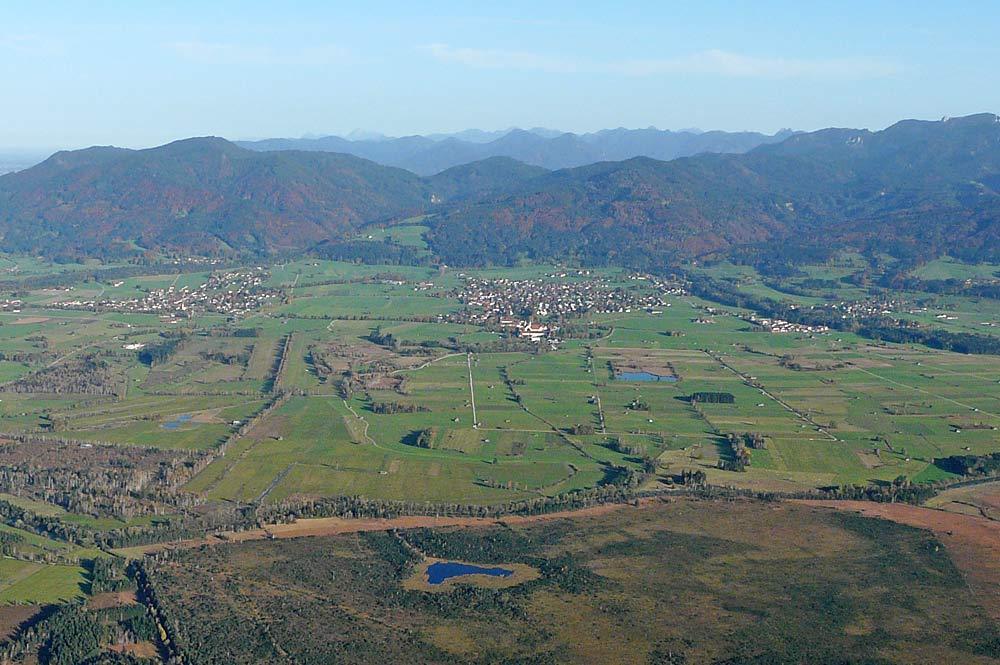 Luftaufnahme von Bichl und Benediktbeuern