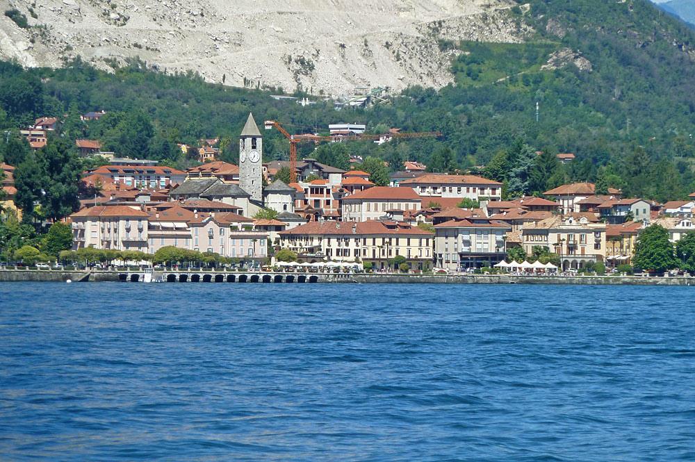 Blick vom Lago Maggiore auf Baveno