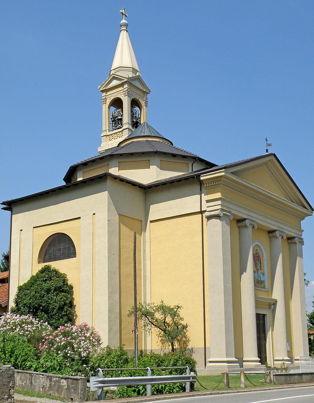 Außenansicht der Kirche San Rocco in Lesa
