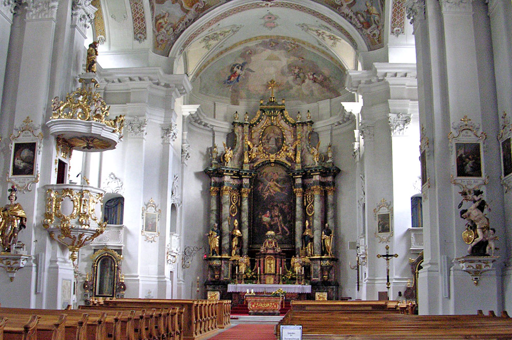 Blick in den Innenraum der Matreier Pfarrkirche