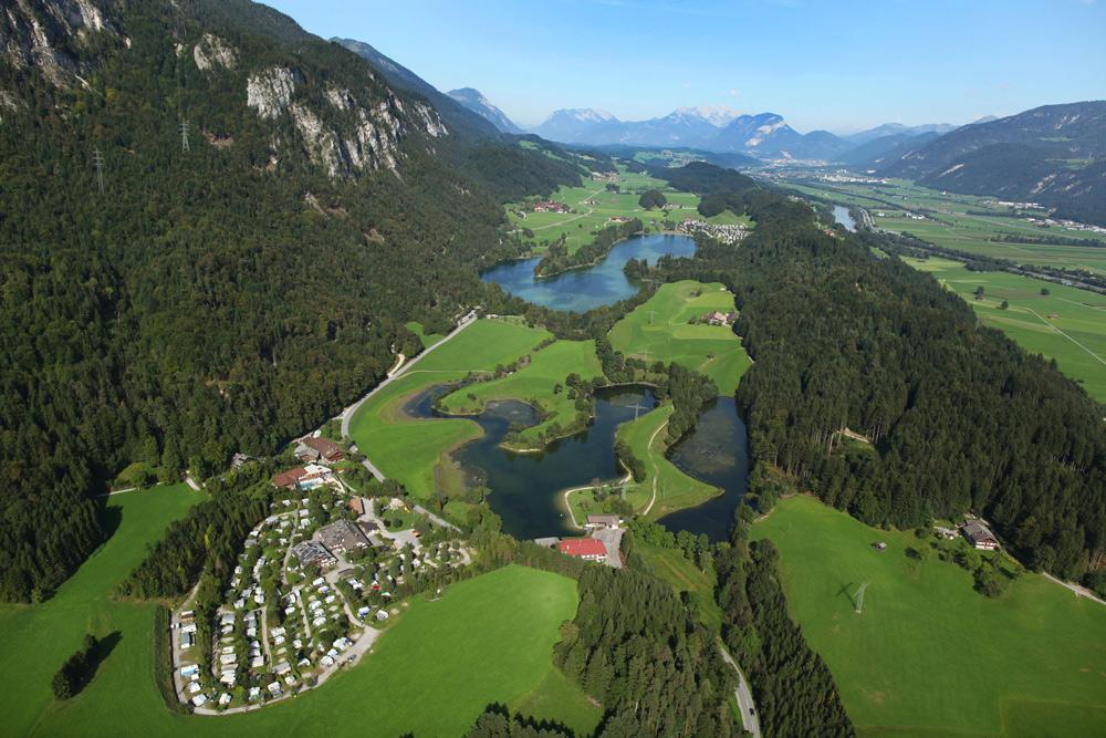 Blick auf Kramsach, Reintalersee und Krummsee