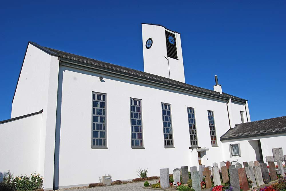 Außenansicht der Kirche von Muolen