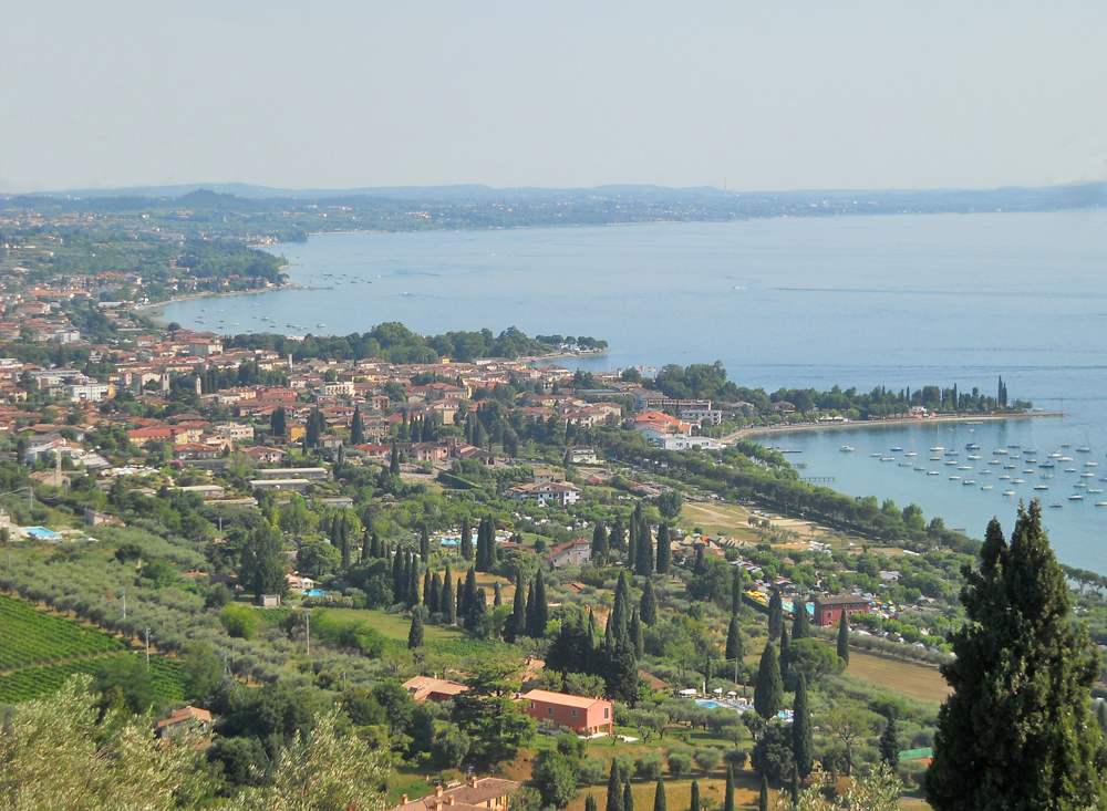 Blick auf Bardolino am Gardasee