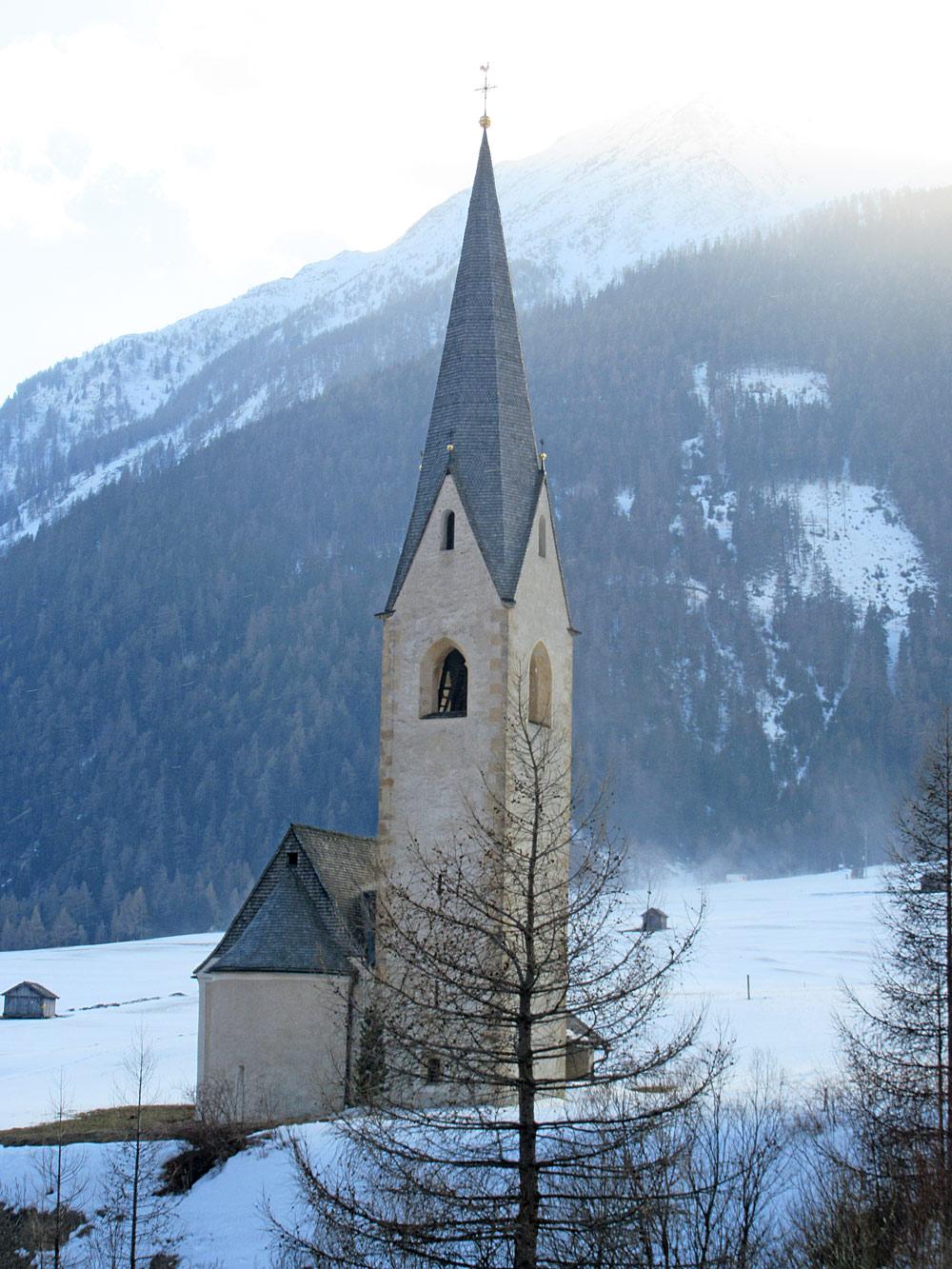 Blick auf die St. Georg-Kirche in Kals am Großglockner