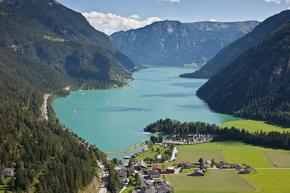Luftaufnahme von Achenkirch und dem Achensee