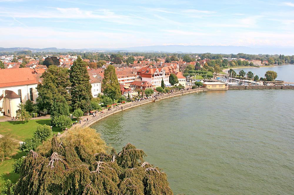 Blick auf die Seepromenade in Langenargen